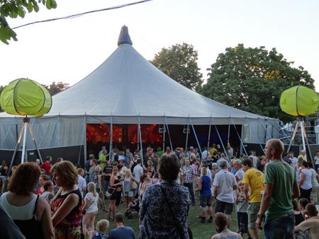 Pien Feith - Carrousel-tent