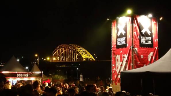 valkhofbynightwaalbrug